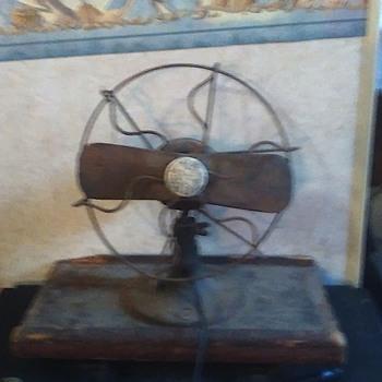 Vintage wood blade fan