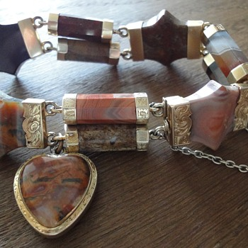 Scottish Agate Banded Gold Bracelet Victorian Heart Shape Padlock