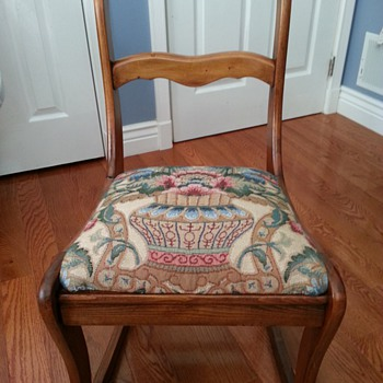 Duncan Phyfe or Tell City? Antique Nursing Rocking Chair