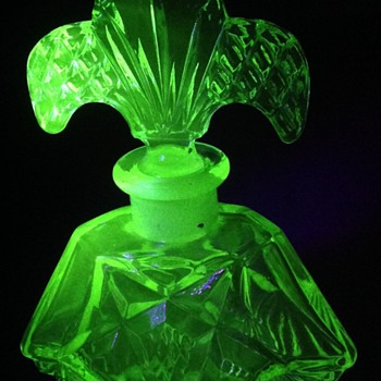 Art Deco perfume bottle, made in Japan - Glassware