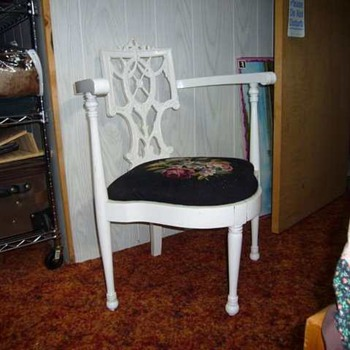 Antique corner chair - Furniture