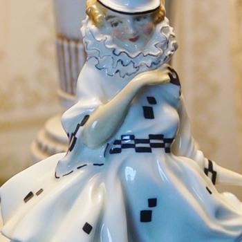 """""""Pierrette"""" Figurine Leslie Harradine Royal Doulton Figurine"""