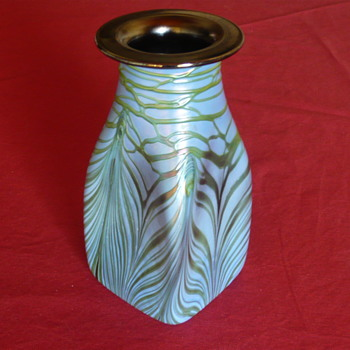 Help! Can anybody of you identify this vase? - Art Nouveau
