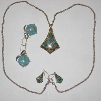 Gold flake and Turqoise necklace
