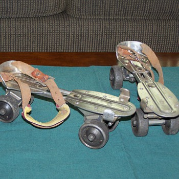 1950's/60's Chicago Skate Co. Steel Roller Skates - Sporting Goods