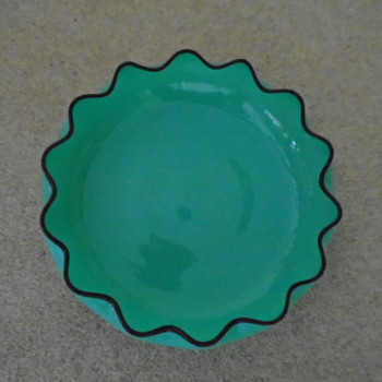 Kralik Tango Glass Bowl. - Art Glass