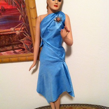 Can anyone help me ID this mini mannequin from the 1940's?? - Dolls