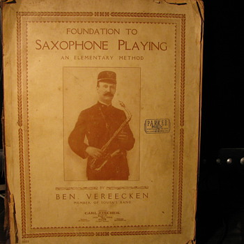 Saxophon Playing 1917