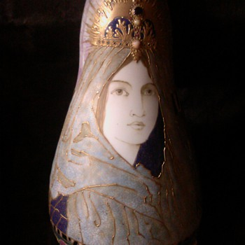 The Veiled Lady by Amphora - Pottery