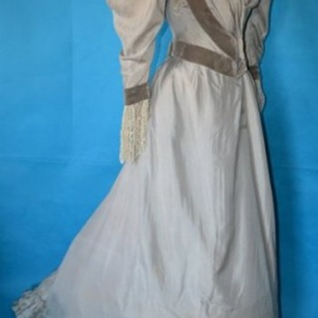 Magestic La Belle Époque Victorian Silver Silk Dress - Victorian Era