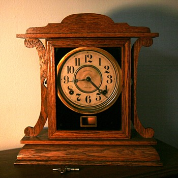 Ingraham Clock  Wooden Mantle Clock ? 1920  - Clocks