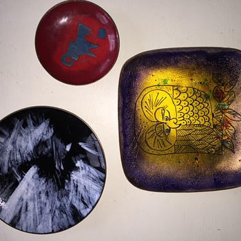 help identifying these 3 enamel copper dishes - Visual Art