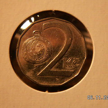1993 Czech Republic 2 Korun Coin  ~Crowned Lion & Pocket Watch - World Coins