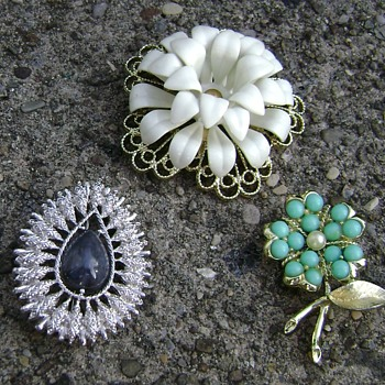 Sarah Coventry Brooches - Costume Jewelry