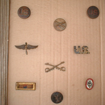US WWI AND WWII Insignia