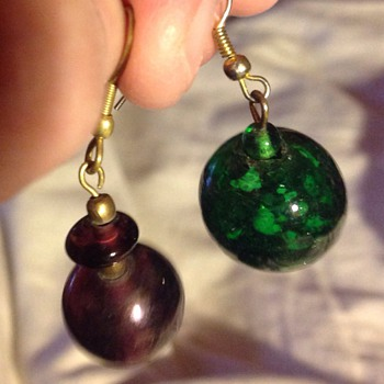 2x odd old glass earrings - Costume Jewelry