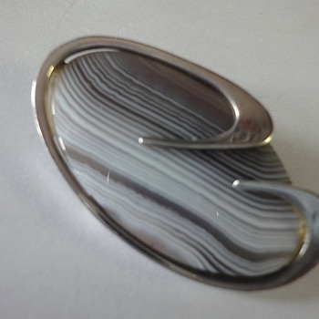 Sterling Silver Stripe Agate brooch from the 60s - Fine Jewelry