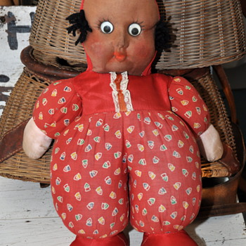 Mystery old cloth head doll