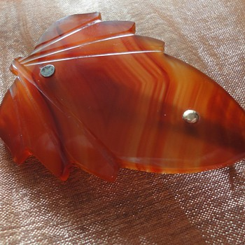 ART DECO Agate brooch