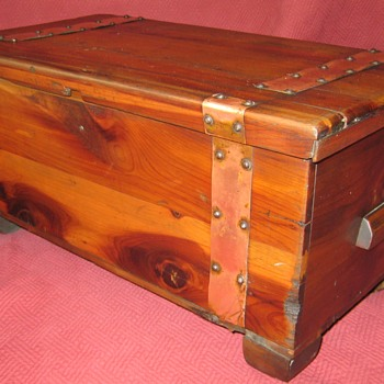 Cedar/Hope Chest  Sample