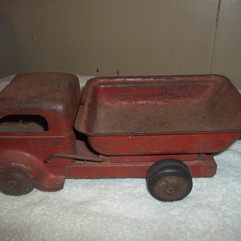 VINTAGE DUMP TRUCK