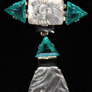 Art Deco Lalique? Pin - Art Deco