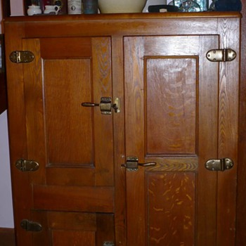 Need a Latch for My Icebox/Linen Closet Catchall - Furniture
