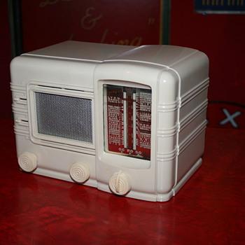 radio jicky 52 - Radios