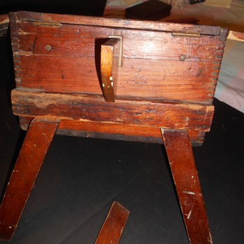Vtg Chest/Storage writing table w detachable legs
