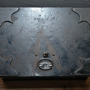 Early Iron box