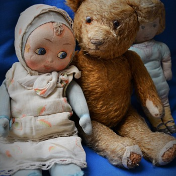 Cuddly googly doll - Dolls