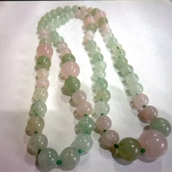 Vintage Jadeite Necklace?