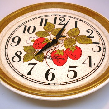 Vintage Seth Thomas Strawberry Plate Wall Clock - Clocks