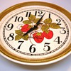 Vintage Seth Thomas Strawberry Plate Wall Clock
