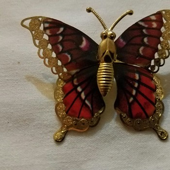 Vintage pretty butterfly brooch from Grandma's boxes - no mark