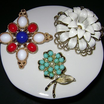Sarah Coventry Brooches