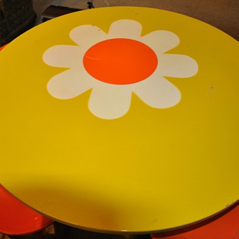 Mid Century Modern Children&#039;s Table and Chairs