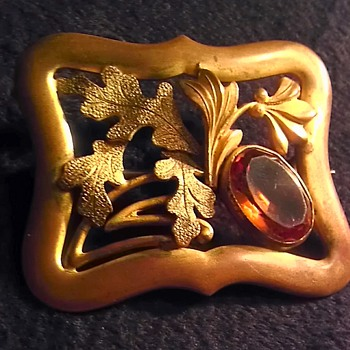 Art nouveau/Deco? brass and amber glass sash pin