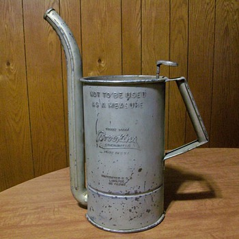 Old Oil Can Dispener