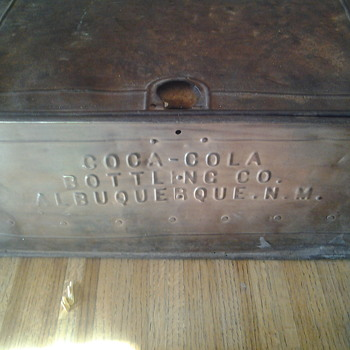 steel ice box 1912 - Coca-Cola