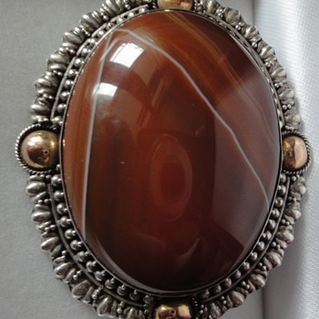 Agate; wonderful stone for antique and modern Jewelry.