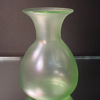 LOETZ  OLYMPIA VASE c. 1900 - Art Glass
