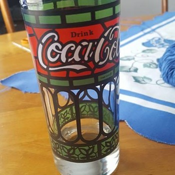 Coca cola Vintage Glass ! How old is this Help me