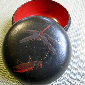 Asian lacquered nesting bowls in box with inlaid insects 