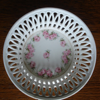 A Roesler pierced basket  - China and Dinnerware