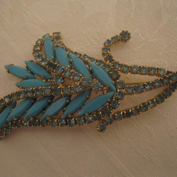 Art Deco Brooch - Costume Jewelry