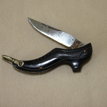 Tiny pocket knife for shoe lovers...