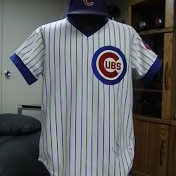 1979 Game Used Autographed  Dave Kingman Cubs Jersey &amp; Cap - Baseball