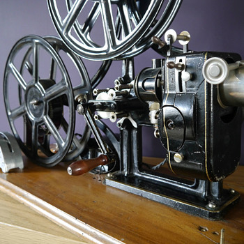 Le Fulgur 35mm projector
