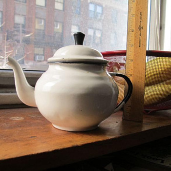 Enamel tea pot - Kitchen